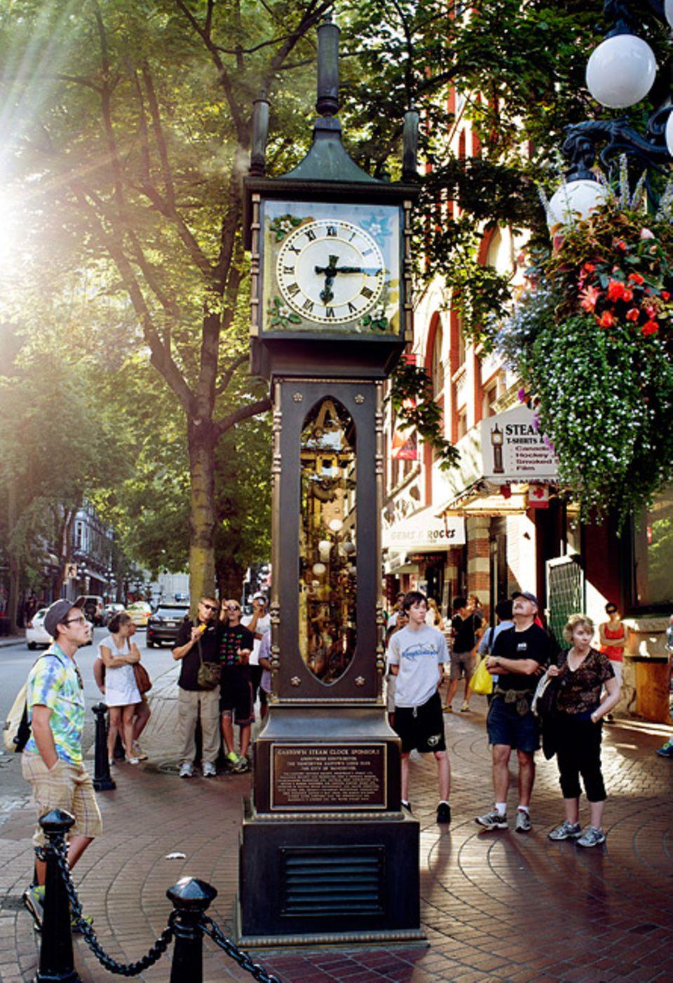 Städtereise: Die Gasuhr von Vancouver ist das weltweit erste Exemplar der gasbetriebenen Uhren, ein Nachbau steht seit 1994 in Otaru, Japan