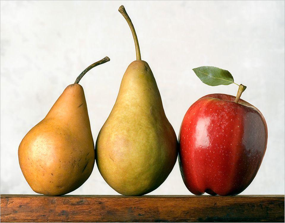 Redewendung: Äpfel mit Birnen zu vergleichen, bedeutet, einen unpassenden Vergleich zu ziehen