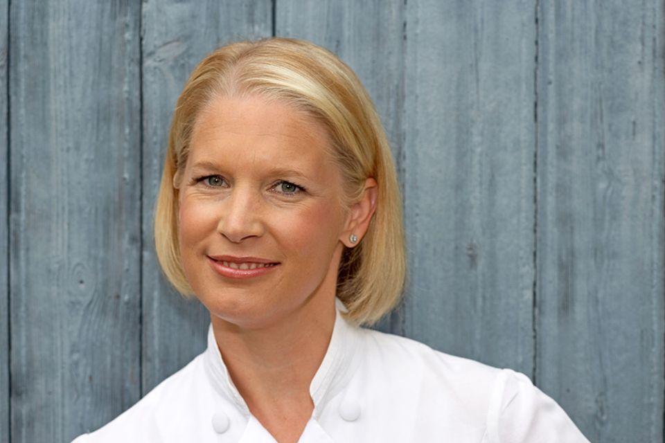 REISEWISSEN: Restaurantbesitzerin und Fernsehköchin Cornelia Poletto liebt nicht nur das Paddeln auf den Alsterkanälen