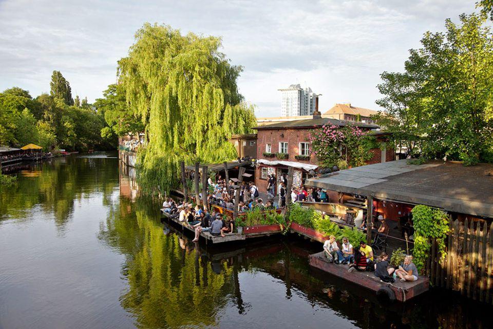 Reisetipps: Tanztee auf hipp: Der Club der Visionäre liegt direkt am Kanal und ist vor allem im Sommer angesagt
