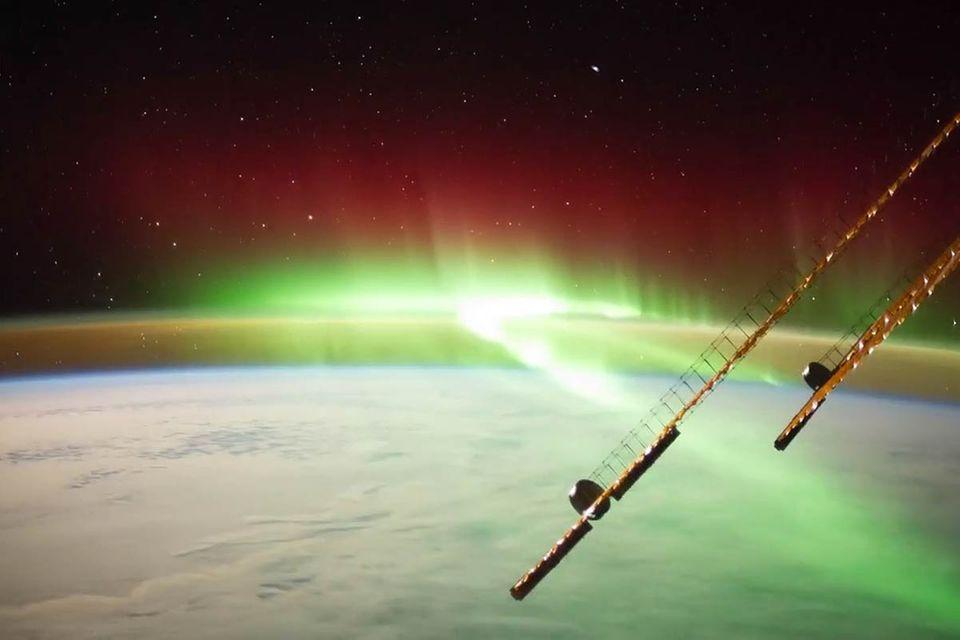 Zeitraffer von der ISS: Alexander Gerst filmt beeindruckendes Polarlicht