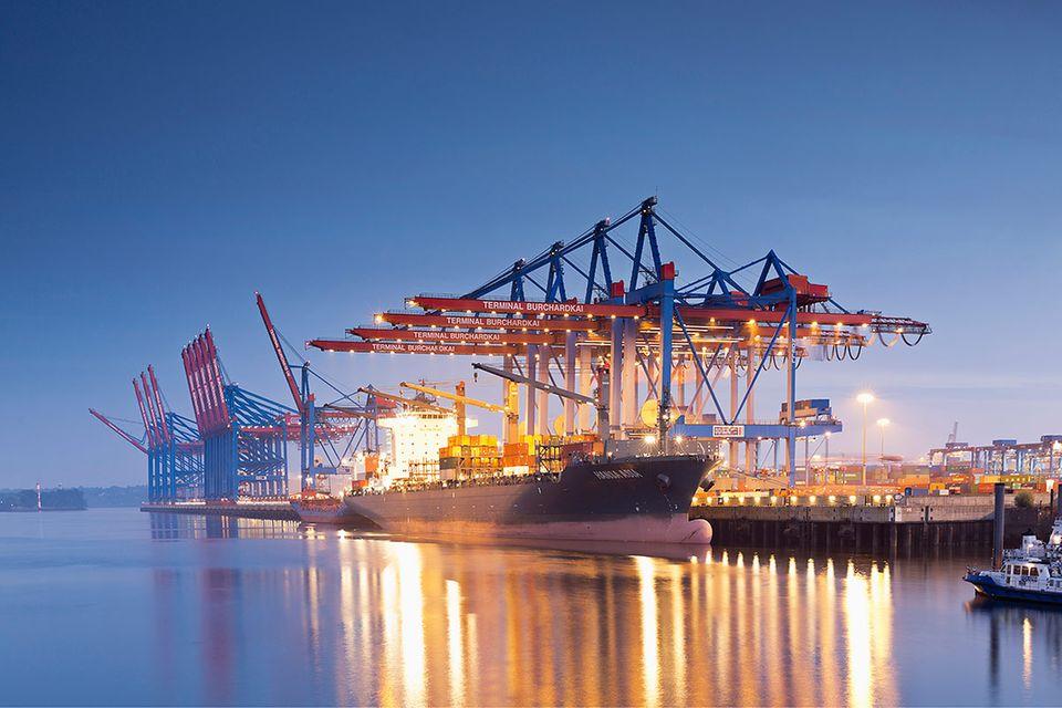Hamburger Hafen: Im Maschinen-Raum der Stadt