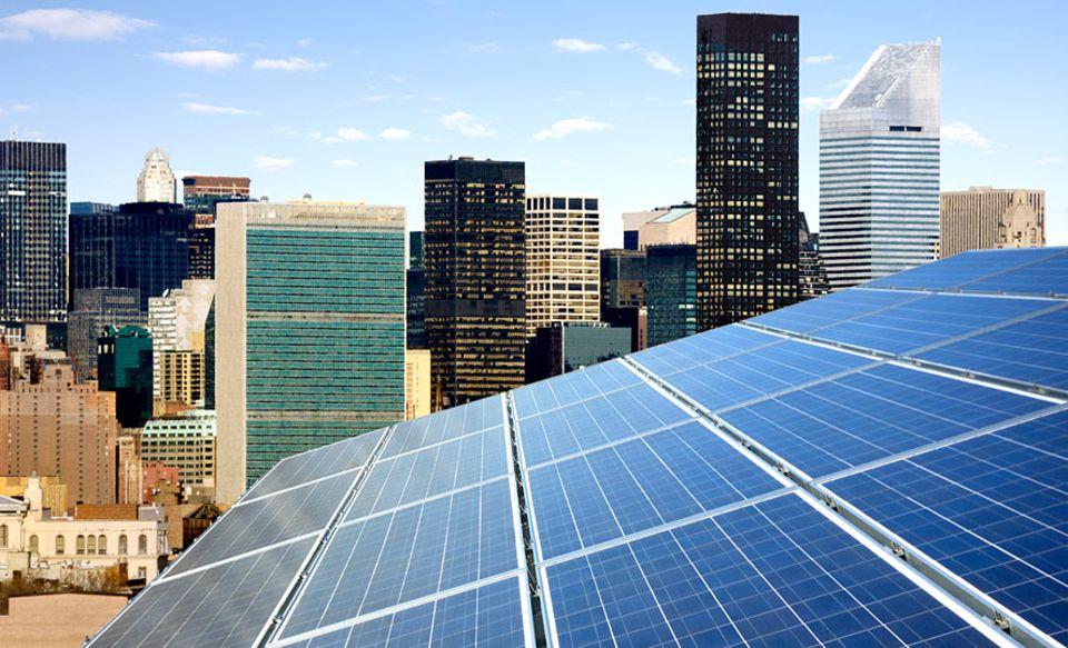 Grüne Wirtschaft: Solarpanele in New York: Können wir unseren Lebensstandard auch klimaverträglich halten?