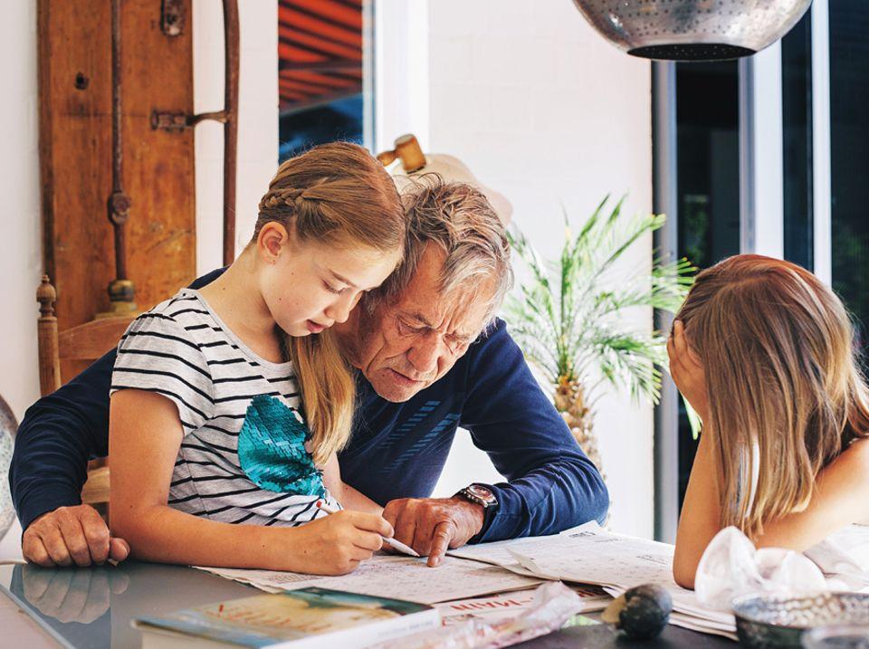 Grosseltern: Großeltern haben einen großen Vorteil gegenüber Eltern: Sie müssen nicht täglich mit dem Nachwuchs auskommen