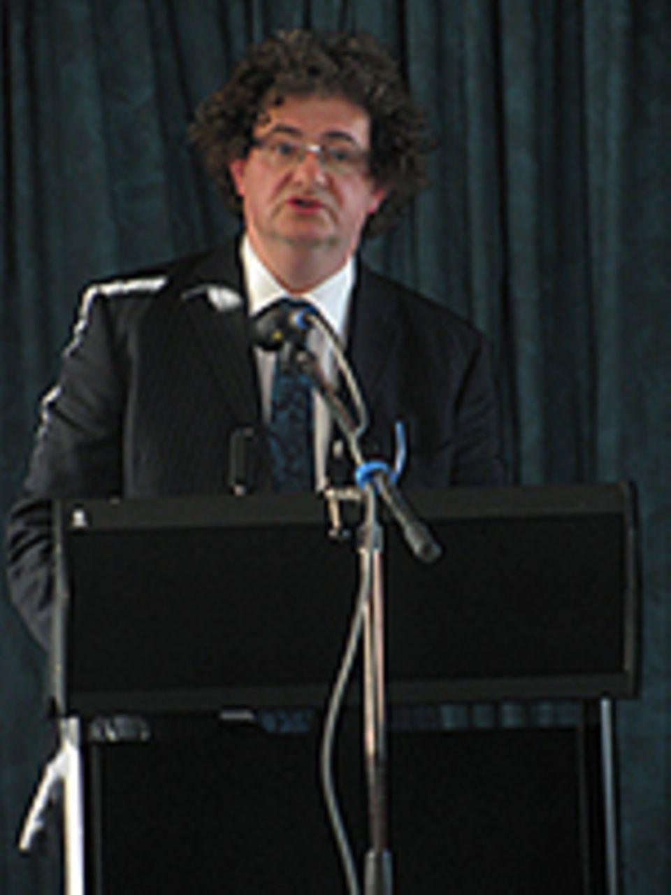 """INTERVIEW: Prof. Ian Yeoman forscht an der Victoria University Wellington und berät die Tourismusorganisation der UN. Sein Buch """"2050 – Tomorrow's Tourism"""" erschien 2012 bei Channel View Publications, Bristol"""