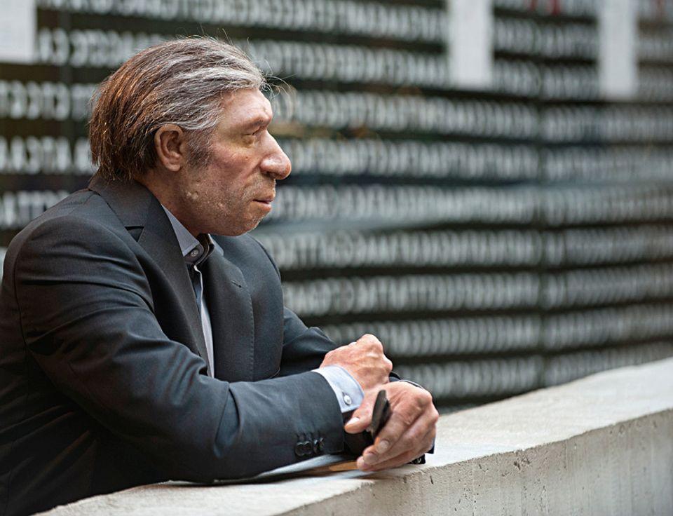 Neandertaler klonen: DER URMENSCH HEUTE: Wie würden sich Neandertaler – hier eine Rekonstruktion – in den modernen Alltag integrieren? Und wie würden sie selbst sich wohl fühlen?