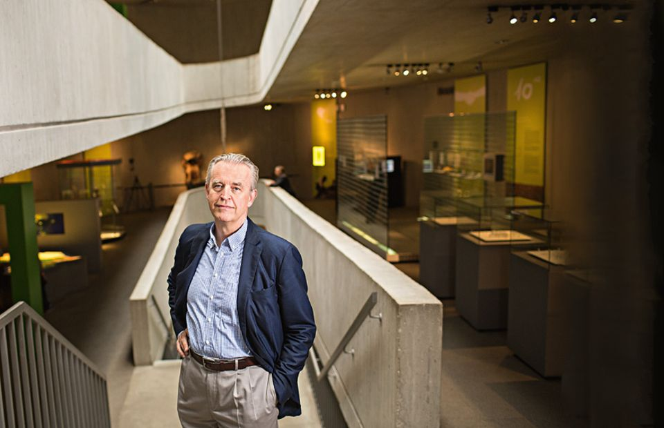 Neandertaler: GERD-CHRISTIAN WENIGER hat das Neanderthal Museum in Mettmann maßgeblich mitkonzipiert und ist seit der Eröffnung 1996 dessen Direktor