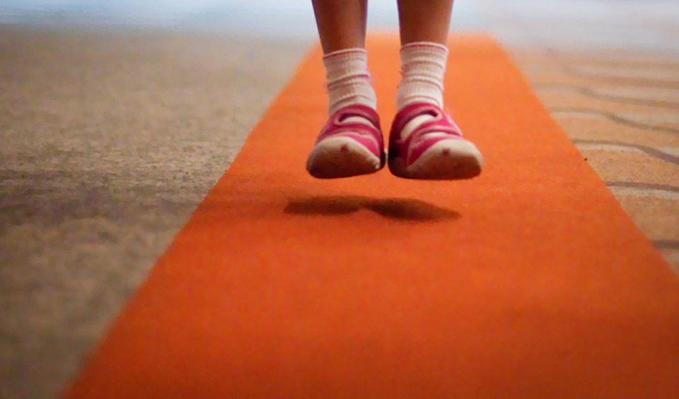 Redewendung: Wenn jemand auf dem Teppich bleibt, ist er gefasst