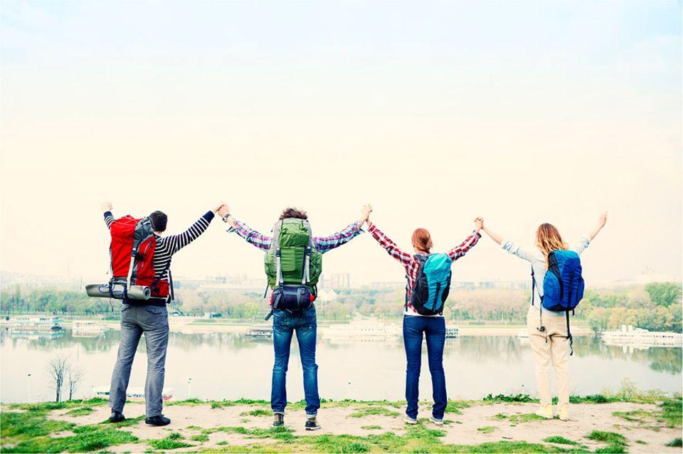 Soziales Reisen: Backpacker kommen schon lange nicht mehr nur in Hostels günstig unter, Anbieter wie traveldudes geben beispielsweise ausgefallene Unterkunfttipps
