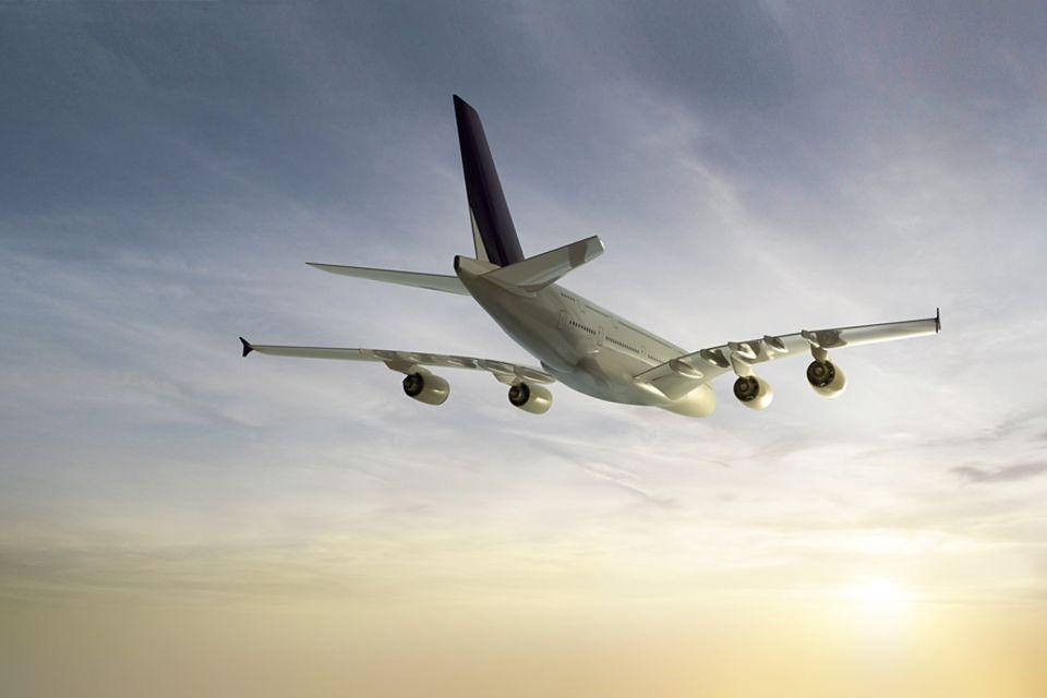 Flugzeugtechnik: Technisch wäre es kein Problem mit der Blackbox in Verbindung zu stehen, doch es ist kostenspielig für die Airlines und noch keine Pflicht