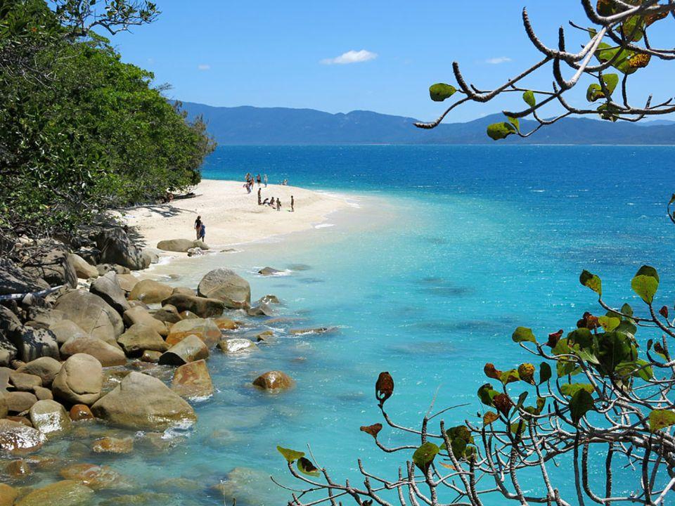 Australien: Der Name führt in die Irre: Nudey Beach auf Fitzroy Island ist gar kein Nudistenstrand. Zur Insel fährt man von Cairns aus nur eine dreiviertel Stunde