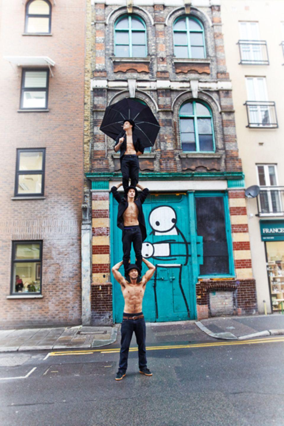 London: Beren D'Amico, Louis Gift und Charlie Wheeler sind Akrobaten der Barely Methodical Troupe