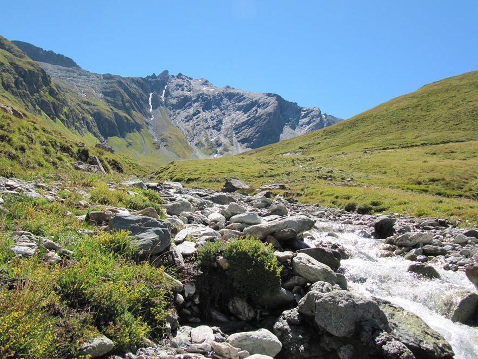 Auszeit: Wildnis in der Schweiz. Ein Bergbach diente Uwe Fitzek drei Monate als Badewanne