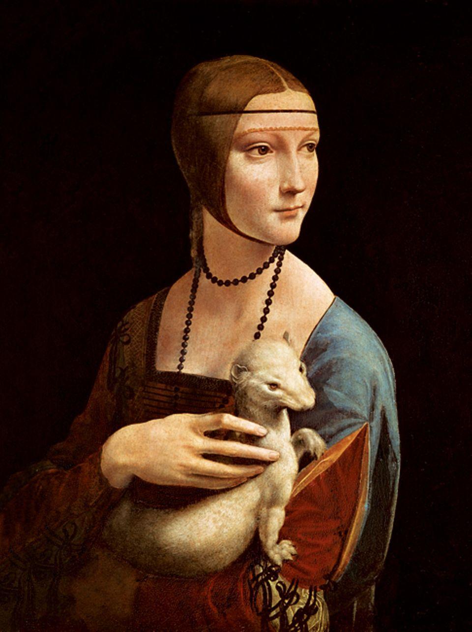 """Renaissance: """"Dame mit dem Hermelin"""": Als erster Künstler Italiens zeigt Leonardo Frauen nicht, wie es schicklich ist, im Profil, sondern halb oder ganz von vorn. Um 1490 porträtiert er die Geliebte des Mailänder Herzogs Ludovico Sforza, dem er auch als Ingenieur dient"""