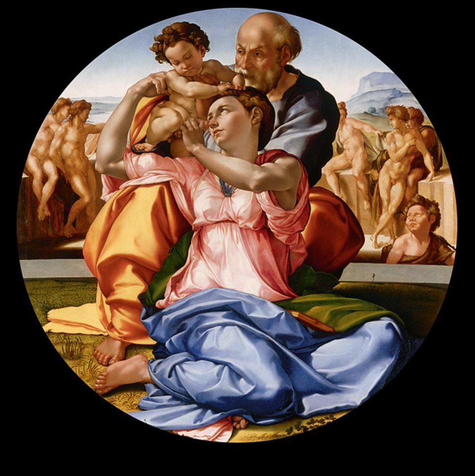 """Portfolio: """"Tondo Doni"""" Dieses vermutlich um 1504 entstandene Rundbild zeigt die Heilige Familie in ungewöhnlich bewegter Pose. Die Nackten im Hintergrund verkörpern vielleicht die durch Christus überwundene Zeit des Alten Testaments"""