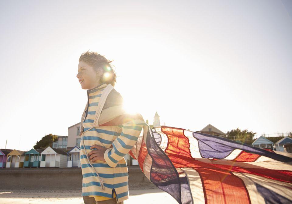 Übertriebener Sonnenschutz: Kinder müssen wieder in die Sonne, fordern britische Gesundheitsbehörden