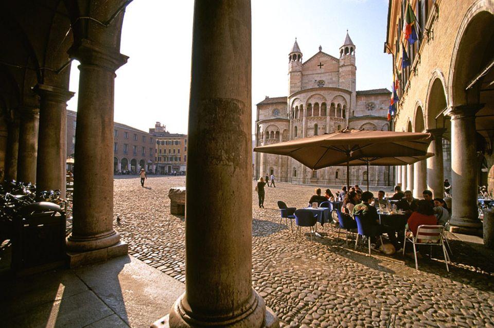 Italien: Alle Wege führen in Modena zum Piazza Grande