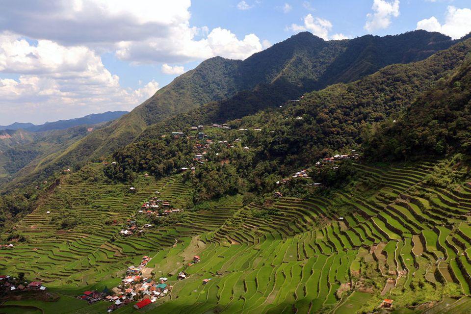 Philippinen: Luzon ist die größte Insel der Philippinen. Im Süden liegt die Hauptstadt Manila, im Norden die Reisterrassen von Ifugao