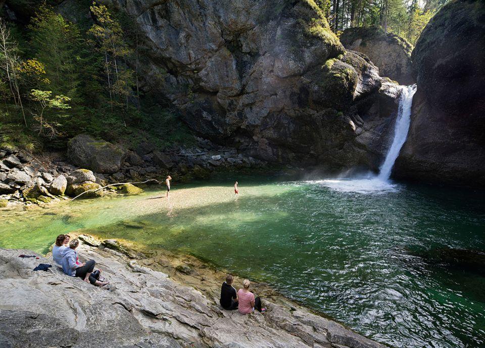 Ausflüge: Wo Verwegene dem Fels den Buckel runterrutschen: die Buchenegger Wasserfälle bei Oberstaufen