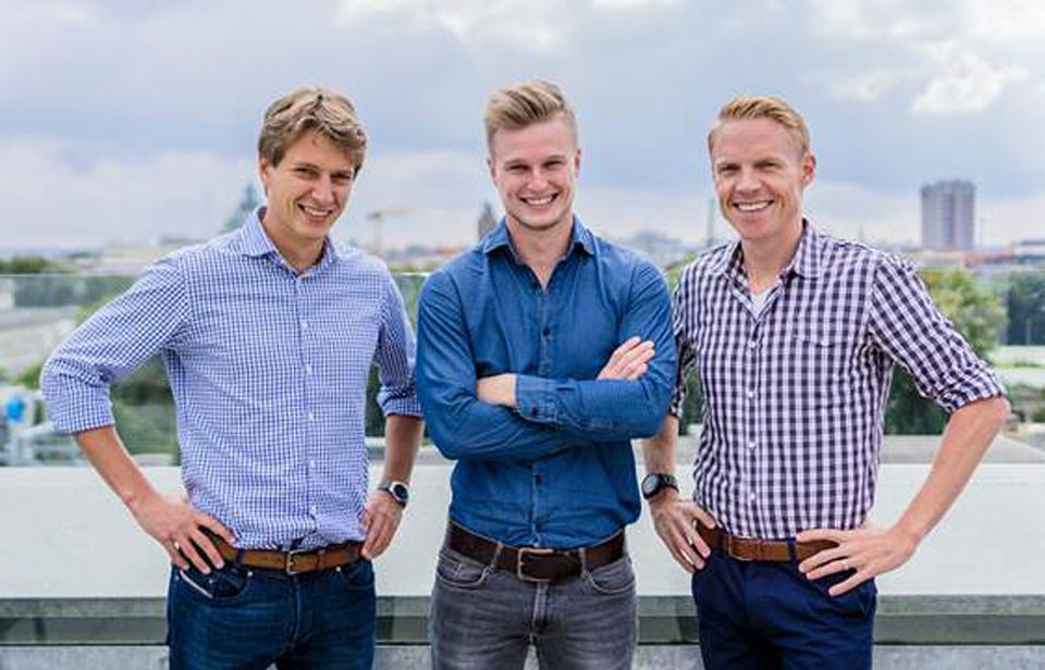 Metasuche: Die Holidu-Gründer (von links): Johannes Siebers, Michael Siebers und Rasmus Porsgaard