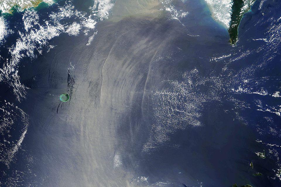 Ozeanografie: 200 Meter hohe Welle rollt durch das Südchinesische Meer