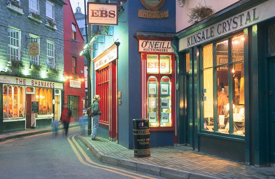 Reisetipps für Irland: Ein Stadtbummel durch Kinsale ist immer eine gute Idee