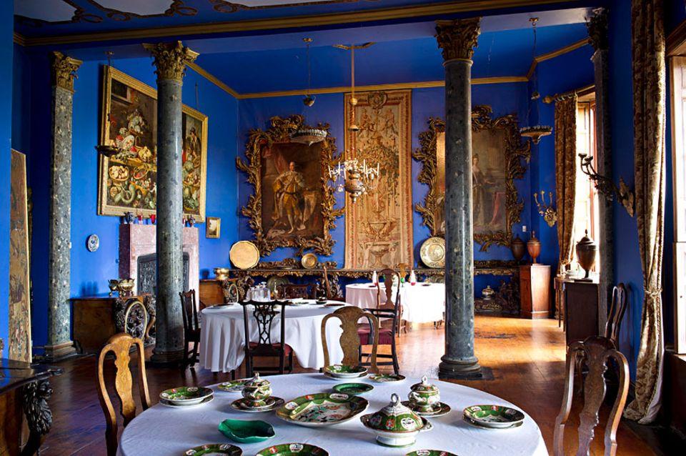 Reisetipps für Irland: Das Bantry House in der gleichnamigen Bucht in West Cork wohnt es sich herrschaftlich. Bei der teatime fühlt man sich im Speisesaal wie Landlord höchstpersönlich