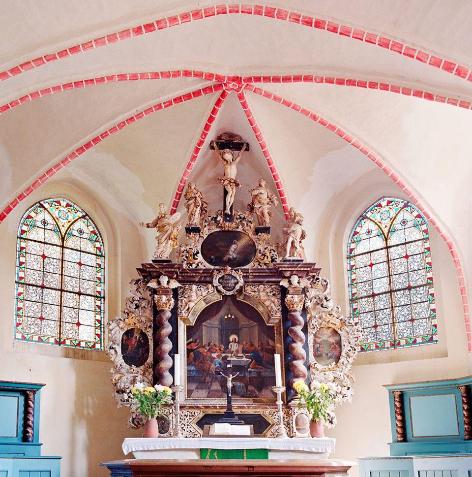 Inselguide: Kleinod und einstiges Wallfahrtsziel ist die St. Laurentius Kirche auf Zudar