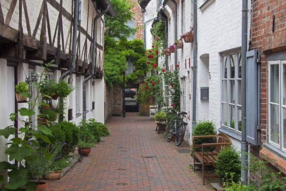 Städtereisen: Der Bäckergang zählt zu einem Labyrinth aus rund 90 Hinterhöfen, die sich durch die Lübecker Altstadt ziehen
