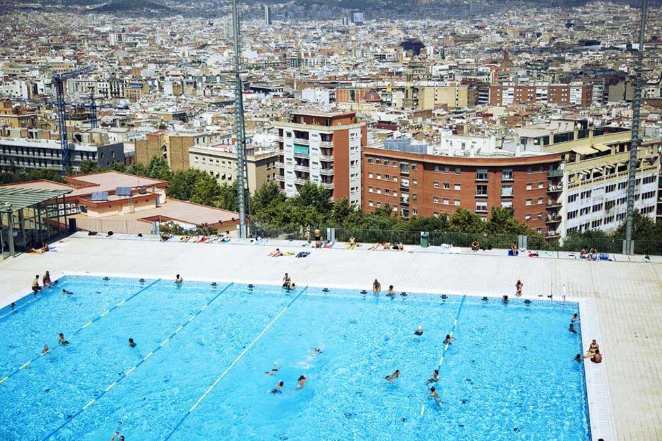 Städtereise: Nicht mehr nur für olympische Schwimmer gedacht: Die Piscina Municipal den Montjuic