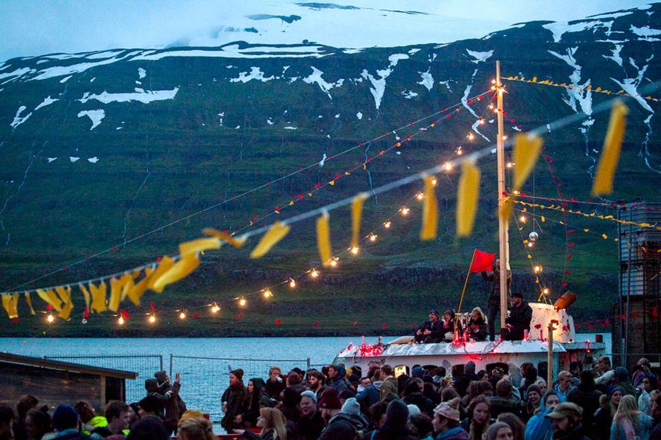 Island: Exzentrisch, kreativ und bunt: das LungA spricht vor allem junge Künstler und Kreative aus Island, aber inzwischen auch Europa und den USA, an