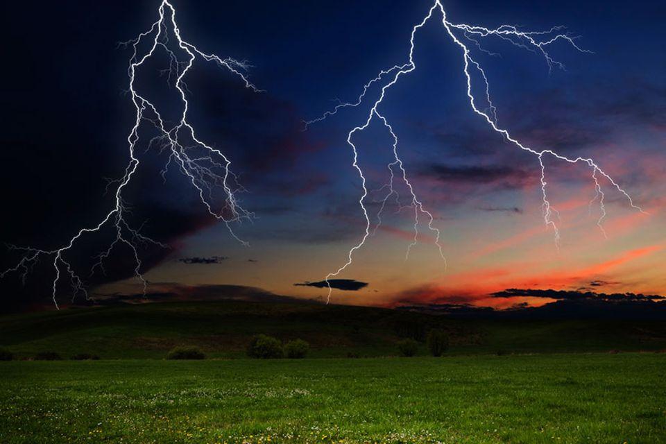 Blitzatlas: Wo schlagen in Deutschland die meisten Blitze ein? Das interessiert besonders Stromnetzbetreiber und Versicherungen