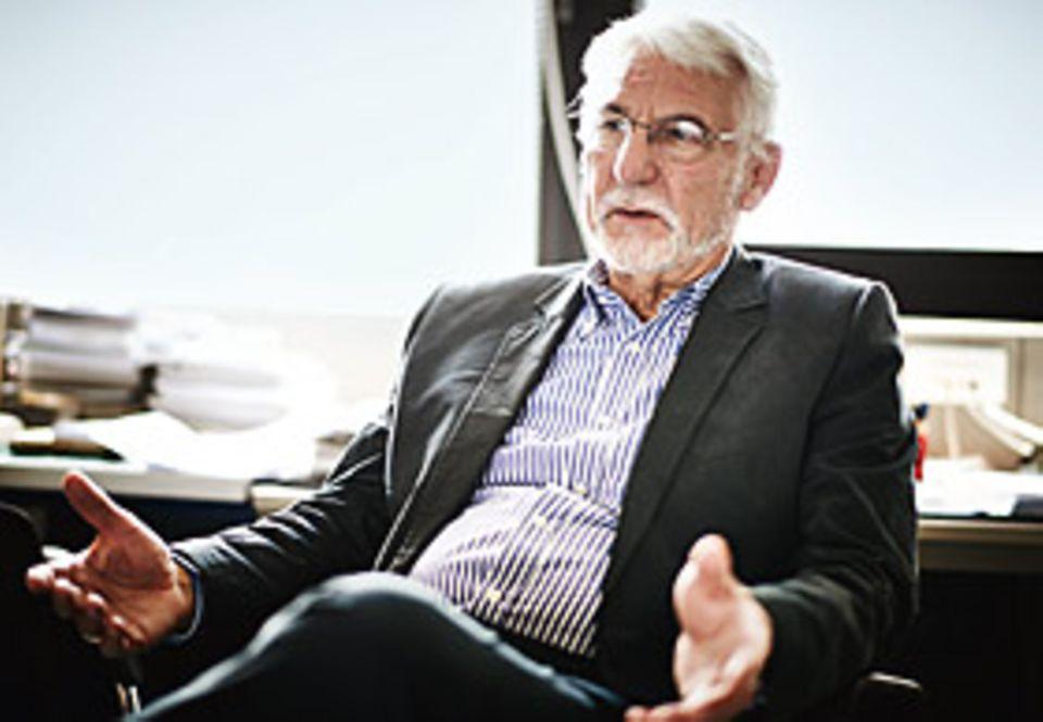 Neurowissenschaft: SPASS AM DENKEN ist ein wesentlicher Erfolgsfaktor, so Gerhard Roth. Vor allem der Erwerb von Wissen – Prinzipien verstehen, Einsichten haben – sei für viele Menschen eine extrem reiche Belohnung