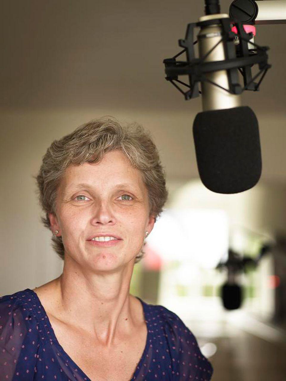 Föhr: Heike Volkerts ist seit 2010 mit dem FriiskFunk auf Sendung