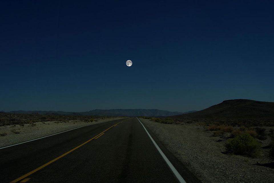 Faszinierende Illustrationen: Durchmesser: Mond 3476 km