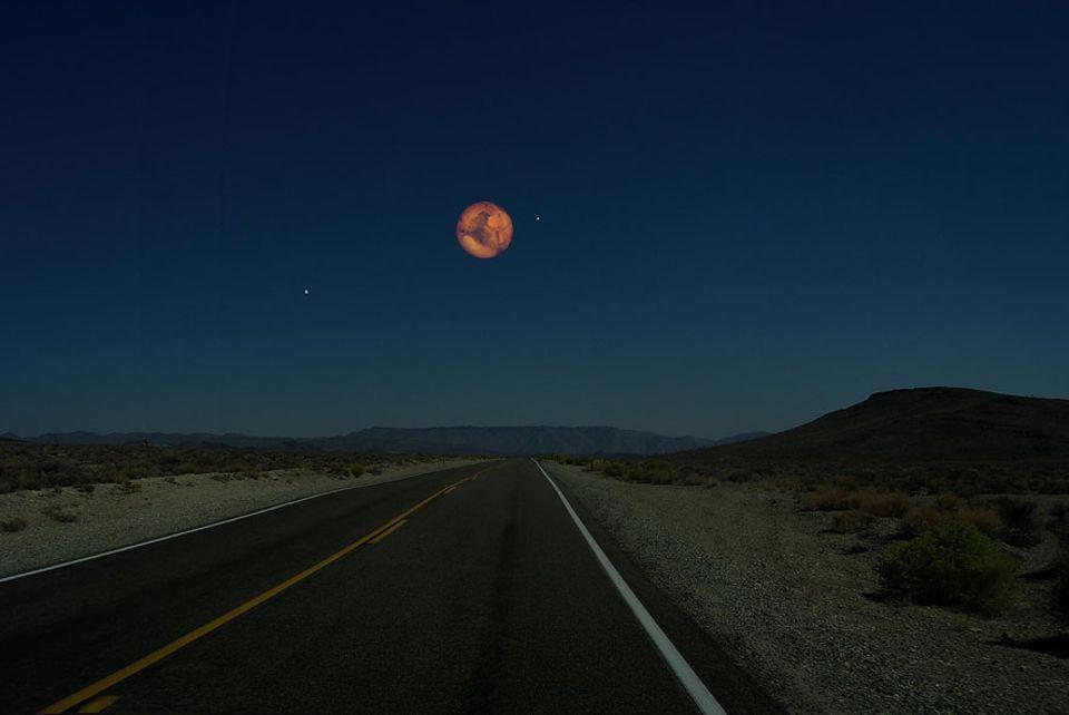 Faszinierende Illustrationen: Mars 6794 km