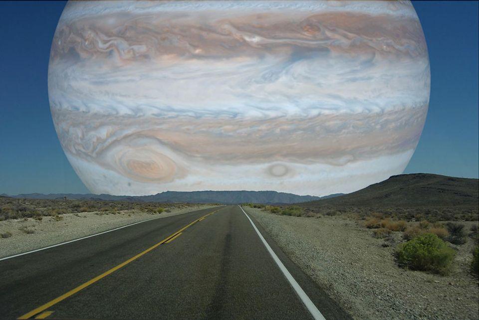 Faszinierende Illustrationen: Jupiter 142984 km