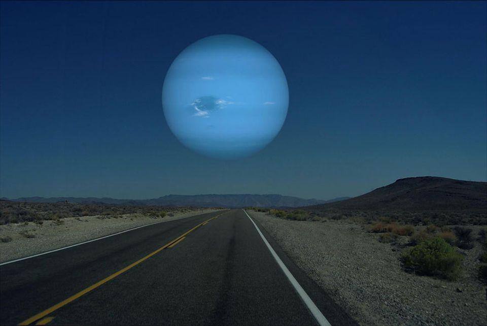 Faszinierende Illustrationen: Neptun 49528 km