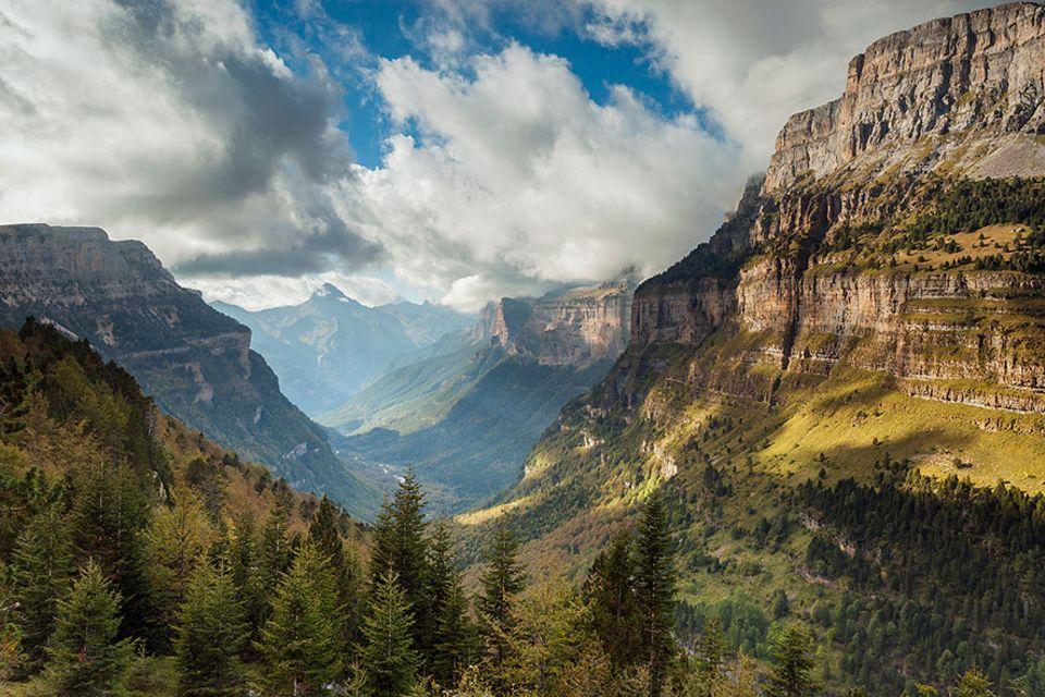 Pyrenäen: Das Ordesa Tal wurde bereits 1918 als Nationalpark deklariert und ist so das älteste Naturschutzgebiet in den Pyrenäen