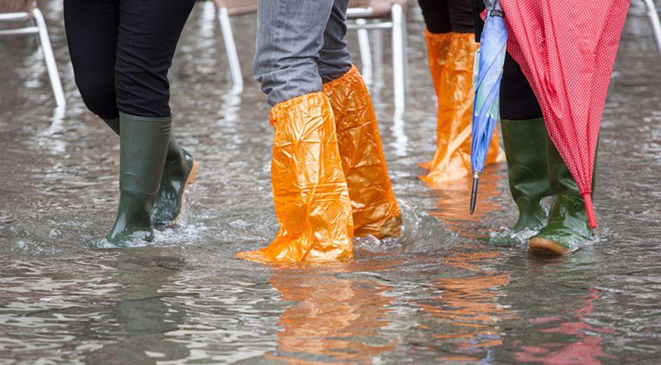 """Wenn jemand """"Hochwasser hat"""", ist die Hose zu kurz"""