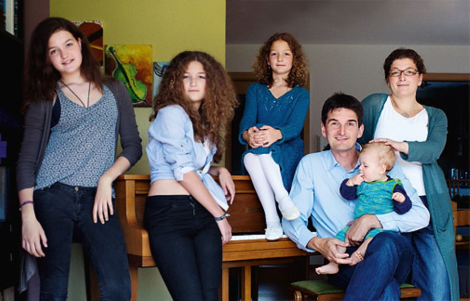 Familie: Vier Töchter hat das Ehepaar Wörner, beide Eltern haben zeitweise beruflich pausiert – und immer das Vertrauen gehabt, dass sie den Alltag bewältigen können