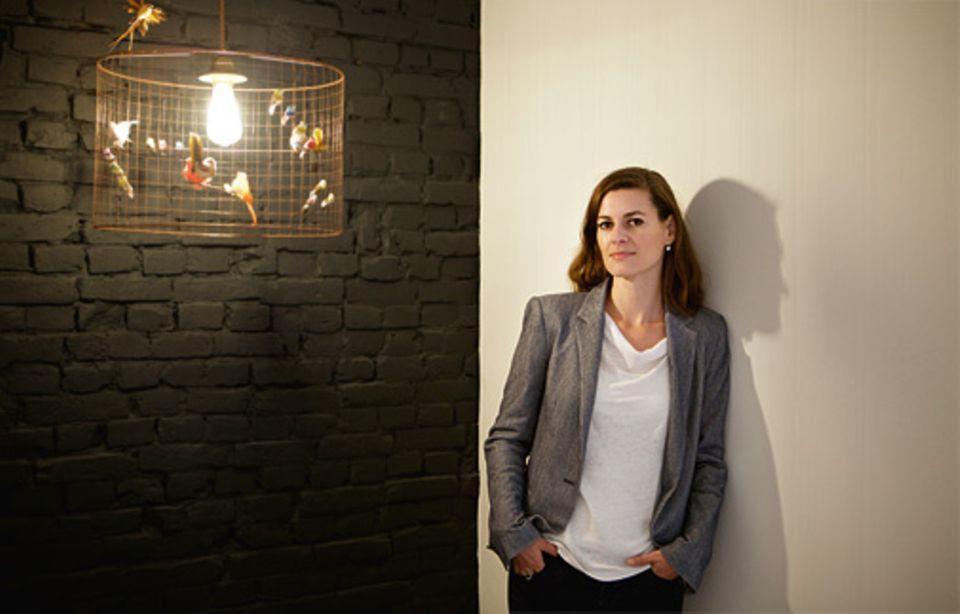 Familie: Die Diplom-Psychologin Dr. Sandra Konrad arbeitet in ihrer Hamburger Praxis häufig die Familiengeschichten ihrer Klienten auf