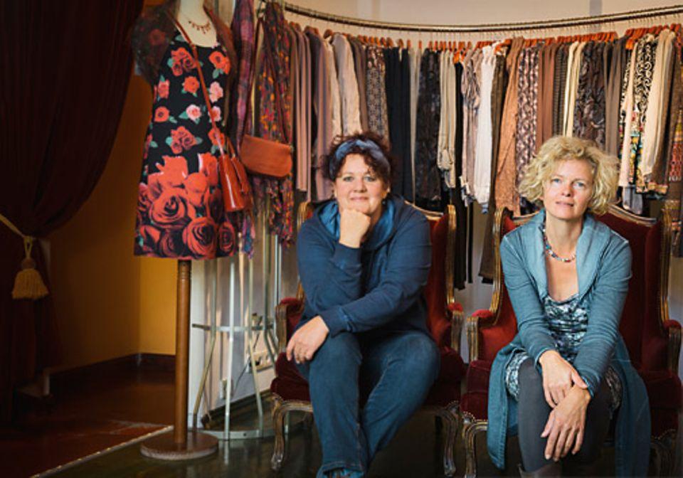 """Familie: """"Uns treiben die selben Dinge an"""", sagen Michaela Cmok, 53 (im Bild links), und Catrin Ziegler, 49. Die Freundinnen führen eine Modemarke in Berlin"""