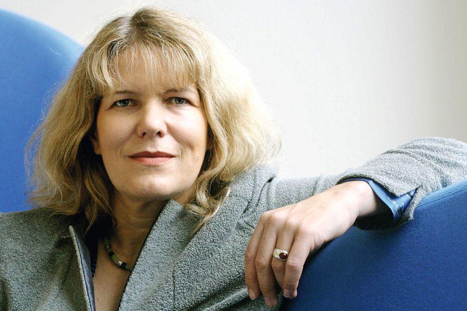 Freihandelsabkommen TTIP: Petra Pinzler ist Hauptstadt-Korrespondentin der Wochenzeitung DIE ZEIT für Politik und Wirtschaft. Sie berichtet regelmäßig über TTIP