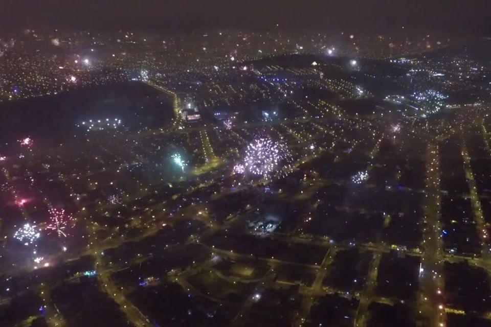 Peru: Drohne filmt Silvester-Feuerwerk in Lima