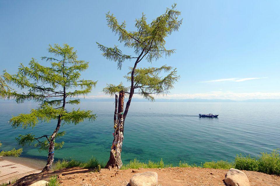 Russland: Am Baikalsee gleich rechts, wer in den fernen Osten Russlands reisen möchte, verlässt die klassische Route zwischen Moskau und Peking am Baikalsee