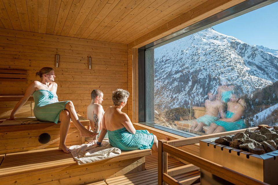 Schweiz: Schlafsaal und Sauna: In Saas-Fee hat 2014 das erste Hostel mit eigenem Spa-Bereich eröffnet