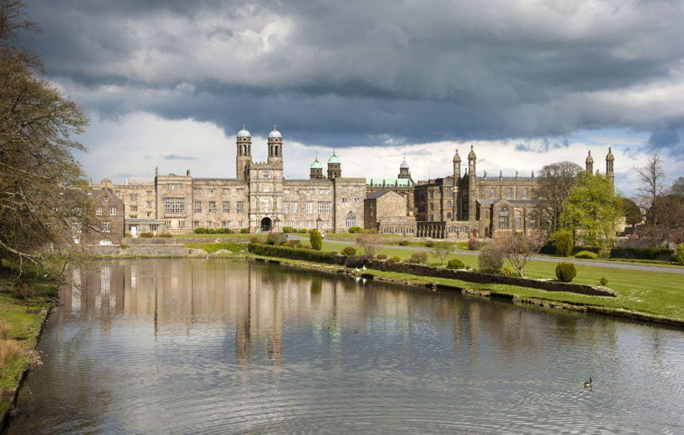 Nordengland: Das Stonyhurst College ist eines der geschichtsträchtigsten Internate im Königreich, hier machten heutige Staatschefs, bedeutende Schriftsteller und Regisseure ihren Abschluss