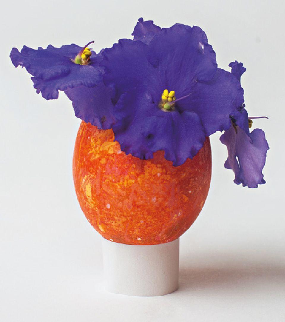 Upcycling: Verwandelt eine langweilige Eierschale in eine hübsche Vase!