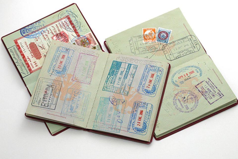 Pässe-Ranking: Bei Einreise gibt es einen Stempel: In 177 Länder können deutsche Reisende mit ihrem Pass einreisen, ohne sich vorab um ein Visum kümmern zu müssen